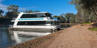 Pictures Of Houseboats Houseboats For Hire Murray River Echuca Echuca Luxury Houseboats