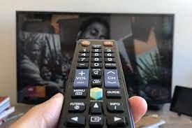 Como abrir e limpar o controle remoto da TV
