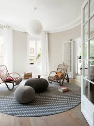 5 colorful round living room rugs