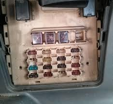 circuit fuse scheme on toyota yaris echo