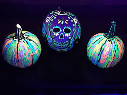 glow in the dark skull pumpkins