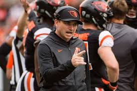 Oregon State coach Jonathan Smith says there's a light at the end of the  tunnel, planning for games - oregonlive.com