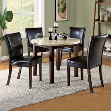 Small Round Kitchen Table Decorating Ideas