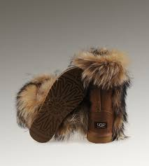 UGG Short Fox Fur 5825 Chestnut Boots