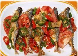 Aduk dan masak hingga semua bahan matang. Bapak Masak Cara Memasak Ikan Asin
