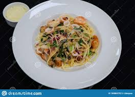 Seafood Linguine Pasta With Prawns ...