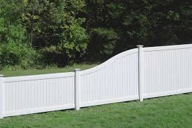 Lexington S Curve Privacy Fence avinylfencecom