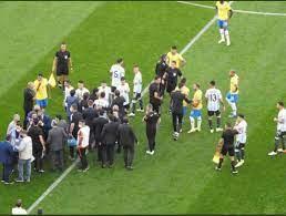 برشلونة نيوز - توقف مباراة الارجنتين والبرازيل ووزارة...