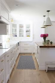 Small White Kitchen 17 Best Ideas About Small White Kitchen With Island On Pinterest