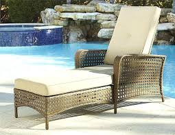 Outdoor Chaise Lounge Chairs Canada Mom Relax Pool Reading