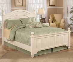 Levitz Bedroom Furniture Signature Design By Ashley Cottage Retreat Queen Size Poster Bed