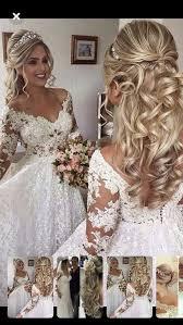 Hem düğün konseptlerinde, hem de gelin saçı modellerinde, çoğunlukla sadelik ve zarafet ön plana çıkıyor. Gelin Sac Modelleri