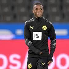 Jun 02, 2021 · bei youssoufa moukoko geht es schlag auf schlag: Youssoufa Moukoko Jungster Bundesliga Spieler Aller Zeiten Alle Infos Zum Mega Talent Des Bvb Fussball
