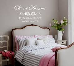 Wall Writing Decor Master Bedroom Wall Decor Tips And Ideas