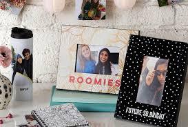 picture frame on desk