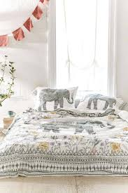 ivory matelasse duvet cover full size of bedspreads king chenille bright sheet set bed covers ikea