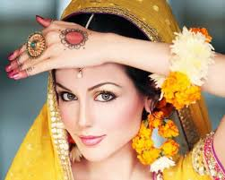 sometimes i wish i was indian so i could do the henna tattoos and dress like this for my wedding