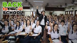 พี่โอ๋ ติวคณิตศาสตร์ โรงเรียนราชินีบน 2557 (O-Plus Back To School) - YouTube