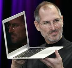 ... quickly to comprise more than a third of Apple's business in the fourth quarter, selling at a 1 to 2 ratio against the flagship MacBook Pro offerings. - macbook-air-11-review
