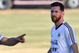 سكالوني: ميسي ينقصه التتويج مع الأرجنتين |