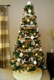 Christmas tree, mantel decorations and more - Living Rich on ...