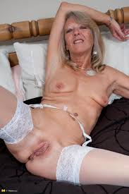 Free videos of mature pussy