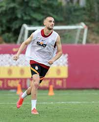 يتابع الفريق تمارينه... - Galatasaray Arabia - عشاق غلطة سراي