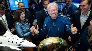 الملياردير البريطاني ريتشارد برانسون ينطلق إلى الفضاء