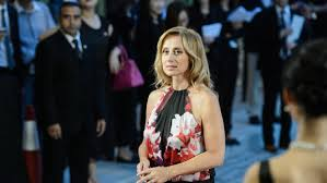 Covid-19: Lara Fabian sings for caregivers from four countries - France 24  - Teller Report