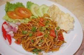 Ditambah taburan bawang goreng, acar sayuran, dan juga emping sudah pasti akan menambah cita rasa. Resep Mie Goreng Spesial Dan Cara Membuat Likethisya Com Resep Makanan Resep Mie Resep