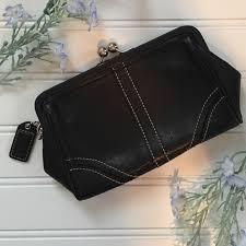 COACH Black Leather Medium Kiss Lock Clutch - EUC