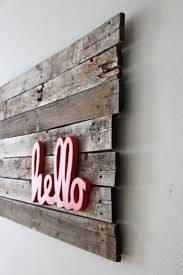 Upcycling Interiors: Brilliant Ideas for Pallet Wall Art