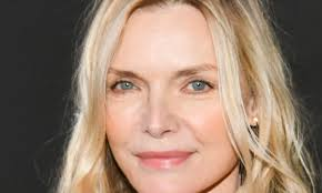 Michelle pfeiffer survived the 'grease 2' casting process. Michelle Pfeiffer S Appearance Stuns Fans In Latest Festive Post Hello