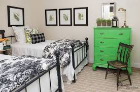 modern white bedroom with 2 twin beds 2016