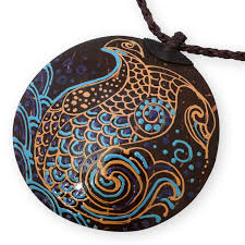 necklace with coconut pendant tribal fish 001