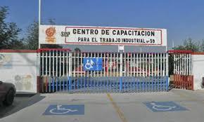 Trabajadores toman instalaciones del CECATI