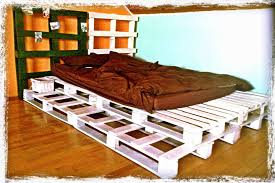 Pallet Bedroom White Pallet Bed O Pallet Ideas O 1001 Pallets