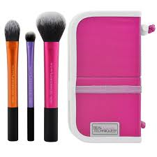 real techniques travel essentials makeup brush set with 2 in 1 case stand