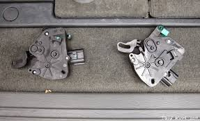 common problems chrysler town country dodge caravan chrysler town and country sliding door lock actuator fix