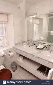 A COMPACT ENSUITE BATHROOM OFF A BED AND BREAKFAST BEDROOM UK ...