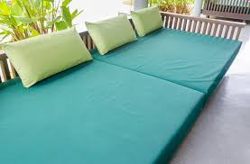 how to clean mildew off of outdoor cushions