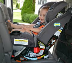 one of the neatest features of this particular car seat from graco is the extend2fit feature which provides up to 5 of extra legroom there are 4