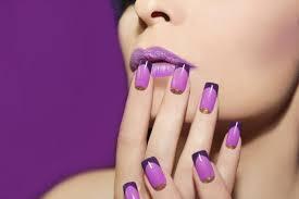 choosing between gel nails and acrylic