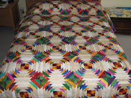Perky Pineapple Quilt   Inspired Layers – Linda's Blog & This is not your grandmother's pineapple quilt. I decided to try this old  pattern with bright fabrics from my stash. It was another exercise in ... Adamdwight.com