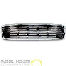 Toyota Hilux Grill 01 - 05 Chrome & Black Grille Single Bar Style ...
