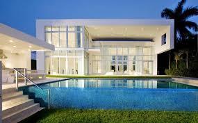 infinity pool backyard. Backyard Modern House With Infinity Pool L