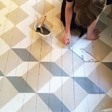 Jolie ide dco : peindre son parquet et lui donner du cachet   DIY painted  floors