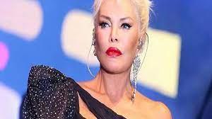 Herkes 75 sanıyordu... Süperstar Ajda Pekkan'ın gerçek yaşı ortaya çıktı! :  Haber Dergim - Güncel Haber, Doğru Haber, Açık Haber
