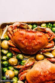 Garlic Butter Dungeness Crab Recipe ...
