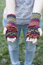 Dragon Scale Fingerless Gloves Pattern Free Simple Decoration